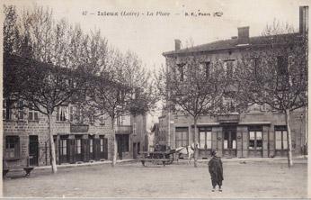 Place d'Izieux
